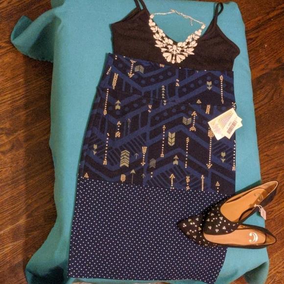 4/$20* NWT M LuLaRoe Cassie Pencil Skirt
